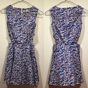 Dresses & Skirts - Side cut out mini dress